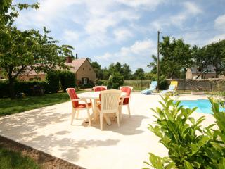 Bright 4 bedroom Cottage in Precigne with Internet Access - Precigne vacation rentals