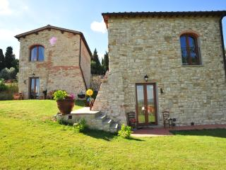 "Country Resort Il Frassine ""Appartamento Zaffiro"" - Rignano sull'Arno vacation rentals"
