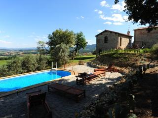"Country Resort Il Frassine ""Appartamento Smeraldo"" - Rignano sull'Arno vacation rentals"
