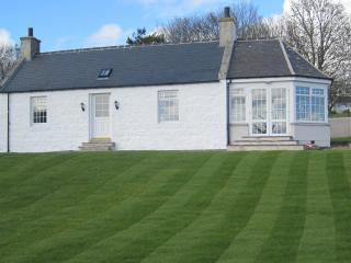 Nice 3 bedroom Ellon Cottage with Internet Access - Ellon vacation rentals