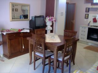 Comfortable 2 bedroom Apartment in Randazzo - Randazzo vacation rentals