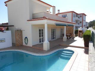 3 bedroom, 6 bed, luxury Villa in Praia Del Rey Golf Resort with fabulous views - Caldas da Rainha vacation rentals