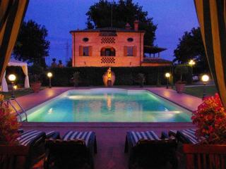 Nice Villa with Internet Access and Dishwasher - Foiano Della Chiana vacation rentals