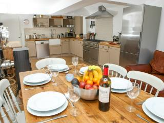 Cozy 3 bedroom House in Whitstable with Deck - Whitstable vacation rentals