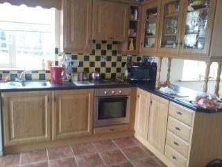 Adorable 4 bedroom Kilfenora Bungalow with Dishwasher - Kilfenora vacation rentals