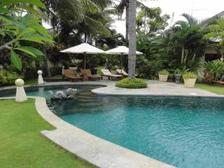 Five Bedroom Beachfront Villa Bahagia Bali - Dencarik vacation rentals