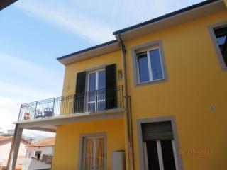 2 bedroom Condo with Internet Access in Viareggio - Viareggio vacation rentals