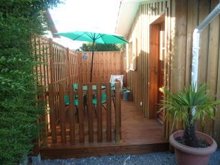 Nice Chalet with Balcony and Parking - Gujan-Mestras vacation rentals