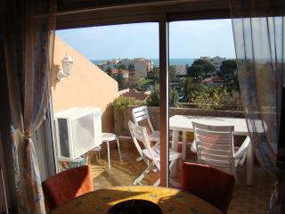 Nice Condo with Internet Access and Dishwasher - Antibes vacation rentals