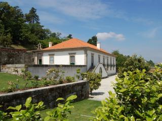 Bright Manor house with Internet Access and Satellite Or Cable TV - Santo Tirso vacation rentals