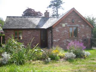 Beautiful 1 bedroom Cottage in Glasbury-on-Wye - Glasbury-on-Wye vacation rentals
