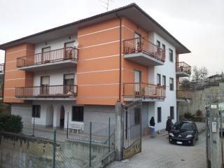 Nice 3 bedroom Condo in L'Aquila with Internet Access - L'Aquila vacation rentals