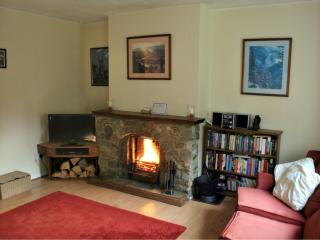 Cozy 3 bedroom Fort Augustus Cottage with Internet Access - Fort Augustus vacation rentals