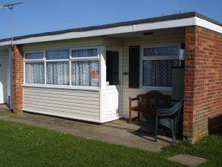 146 Sundowner Holiday Park, Hemsby, Norfolk. - Hemsby vacation rentals