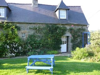 Beautiful 1 bedroom Cottage in Pommerit-le-Vicomte with Washing Machine - Pommerit-le-Vicomte vacation rentals