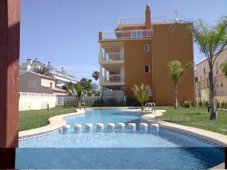 Corner penthouse,terraces all around,wifi,aircon - Denia vacation rentals