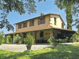 Bright 4 bedroom Farmhouse Barn in Castelfranco di Sopra with Short Breaks Allowed - Castelfranco di Sopra vacation rentals