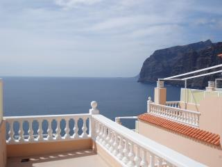 Romantic Studio with Washing Machine and Shared Outdoor Pool - Los Gigantes vacation rentals