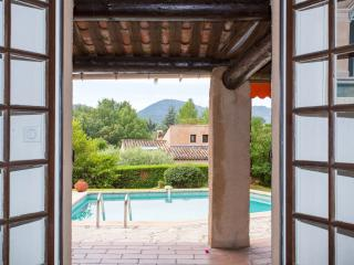 Charming Villa with Internet Access and Dishwasher - Mandelieu La Napoule vacation rentals