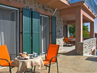 Cozy 2 bedroom Lesbos Apartment with Internet Access - Lesbos vacation rentals
