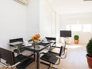 Elegant, minimalist, exclusive in old town - Palma de Mallorca vacation rentals