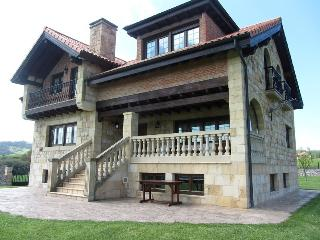 VIVIENDA SAMPEDRI - Santillana del Mar vacation rentals