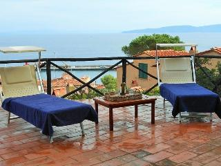 Charming House with Dishwasher and DVD Player in Isola Del Giglio - Isola Del Giglio vacation rentals