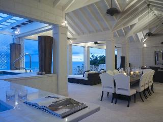 *EXQUISITE VILLA - ASK ABOUT OUR SPECIAL RATES * Smugglers Cove - The Penthouse - Holetown vacation rentals