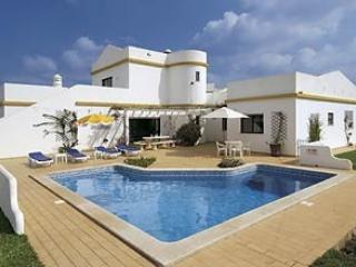 Promessa  villa 4 bedroom, FREE air con and Wi-Fi - Paderne vacation rentals