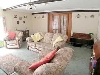 Lovely Cottage with Internet Access and Central Heating - Llanwrda vacation rentals