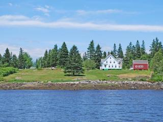 AREY COVE FARMHOUSE - Town of Vinalhaven - Vinalhaven vacation rentals