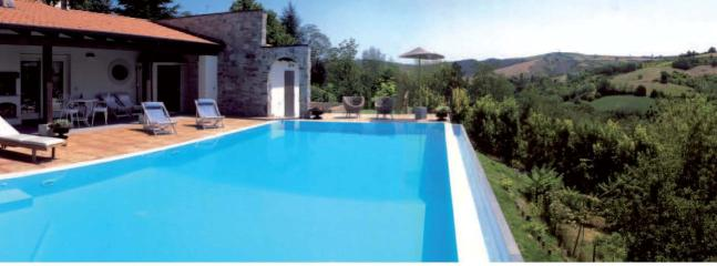 Bright 6 bedroom Villa in Santa Maria della Versa - Santa Maria della Versa vacation rentals
