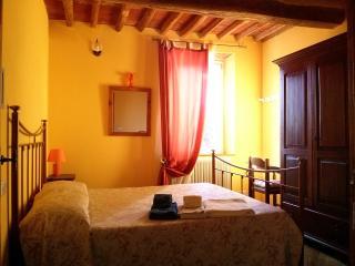 Cozy 2 bedroom Bed and Breakfast in Massarosa - Massarosa vacation rentals