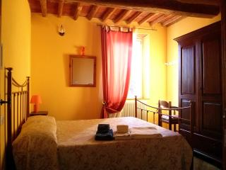 Nice 2 bedroom Massarosa Bed and Breakfast with Internet Access - Massarosa vacation rentals
