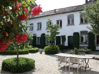 Nice 3 bedroom Maastricht House with Internet Access - Maastricht vacation rentals