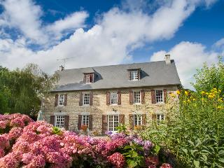 La Germainiere farmhouse, private pool & gardens - Gavray vacation rentals