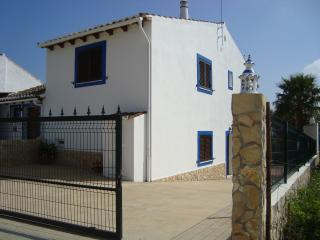 3 bedroom House with Outdoor Dining Area in Pechao - Pechao vacation rentals