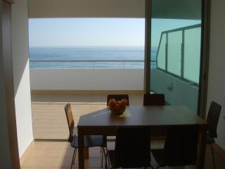 Nice Penthouse with Internet Access and A/C - Monte Gordo vacation rentals