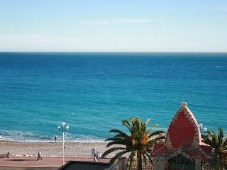 SunlightProperties Parisian Bleu: Style & sea view - Nice vacation rentals