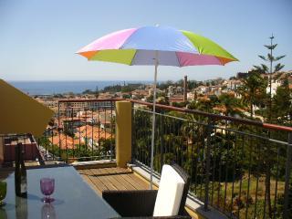 Apartment BZ...Top Floor apart Living Funchal - Funchal vacation rentals