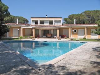 Fantastic Pool & Garden! 6 BR, 5 BA, Sauna - Sils vacation rentals