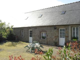 Charming Cottage in Domfront with Satellite Or Cable TV, sleeps 2 - Domfront vacation rentals