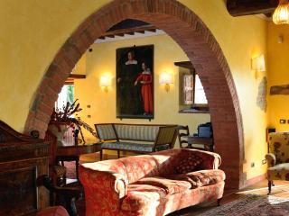 Luxury Villa in Tuscany, between Siena & Florence - Bucine vacation rentals