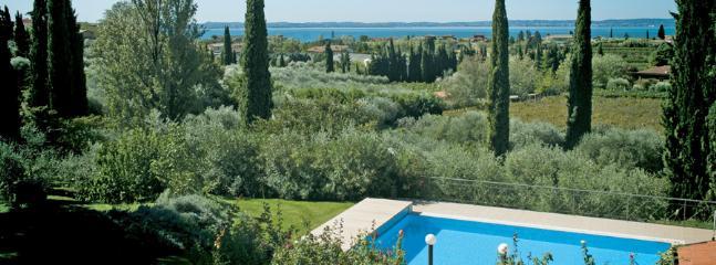 4 bedroom Villa in Lazise, Lake Garda, Italy : ref 2230489 - Image 1 - Lazise - rentals