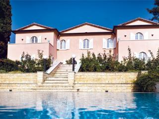 4 bedroom Villa in Lazise, Lake Garda, Italy : ref 2230489 - Lazise vacation rentals