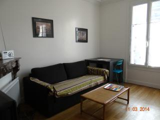 Nice Condo with Garden and High Chair - Les Lilas vacation rentals