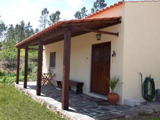 2 bedroom Cottage with Internet Access in Vila de Rei - Vila de Rei vacation rentals