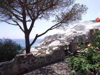 MISTRAL RESIDENCE - PORTYSUD - Lipari vacation rentals