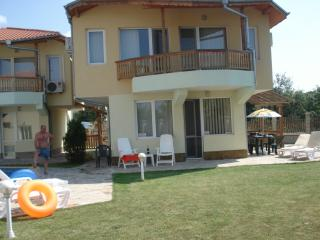 Lagoon Bay Villa - Air con & WiFi - Kavarna vacation rentals
