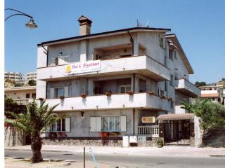 4 bedroom Bed and Breakfast with A/C in Brancaleone - Brancaleone vacation rentals